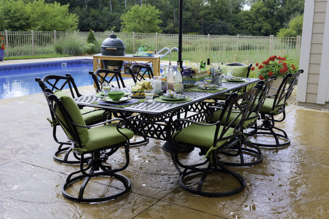 3b038e771130 Outdoor Dining Space Requirements. Guide to Picking Your Perfect Patio Set